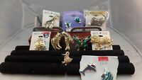 LOT  VINTAGE TO NOW ANIMAL THEMED BROOCH PINS LOT ASSORTED