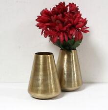 Petit vase en métal doré ethnique moderne
