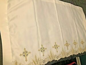 BEAUTIFUL CATHOLIC CHURCH ALTAR WHITE & GOLD EMBROIDERED FRONTAL CROSSES GRAPES