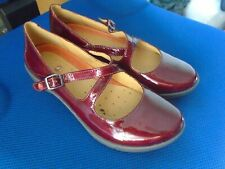 Clarks Unstructured red patent leather Mary Jane shoes size 4