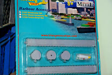 TRI-ANG MINIC SHIPS 1:1200 HARBOUR ACCESSORIES - BREAKWATER SET S827