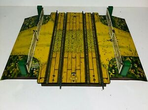Hornby series Level Crossing double O Gauge (A)