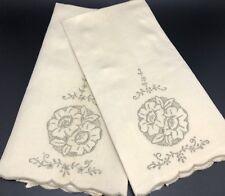 Set of 2 Madeira Floral Embroidered Linen Hand Finger Towels (Rf879)