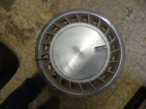 Wheel Cover HubCap 20 Fin Type Fits 88-90 VOYAGER 10860
