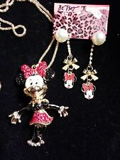 Betsey johnson Minnie necklace n Minnie Earrings