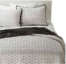 Room Essentials Twin Triangle Grid Quilt Set with 2 Shams, New Target