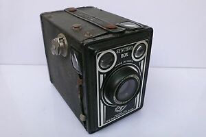 Agfa Synchro Box 120mm Camera Made in India Rare w Portratlinse Close up lens