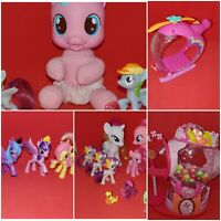 2008 Hasbro My Little Pony Musical Sweet Treats Bubblegum House w/19 Ponies and