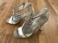 Christian Louboutin shoes heels sandals beige leather women's 39 EUR Made Italy