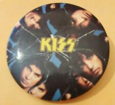 1987 KISS THE BAND VINTAGE VAULT ADVERTISING BUTTON GREAT FOR ANY COLLECTION!