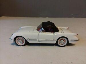 SIGNATURE MODELS 1953 CHEVY CORVETTE DIECAST CAR 1/32