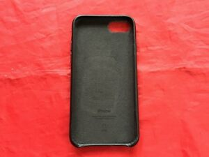 Genuine Apple iPhone 7 back cover (Black) - Ref A35
