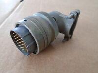 1 EA NOS BENDIX 55 PIN ELECTRICAL CONNECTOR PLUG  P/N: PT08E22-55P