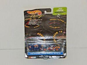 Hot Wheels Racing - Pit Crew Collector Edition - PETTY ENTERPRISES #44 Pontiac