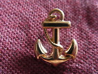 3D Anchor with entwined rope pin badge. Gold coloured. Sailing Sailor.