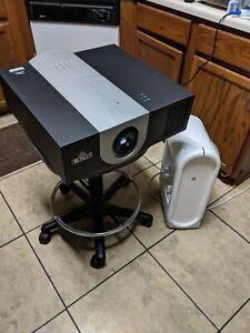 RUNCO VX-1000D DLP Projector w/ DHD Vivix II Controller