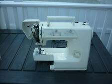 Kenmore Sewing Machine 20-15516 Complete Working EUC 34 Stitch Sew Crafts