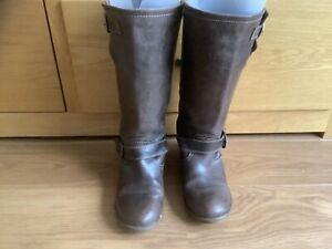 Ladies brown leather boots.size 4/37 excellent condition