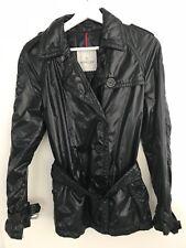 Moncler leichte Jacke hochglänzend 36/38 schwarz