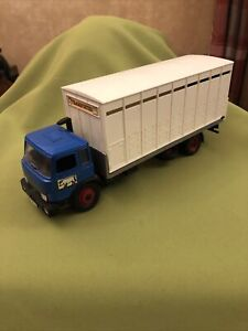 BRITAINS FARM IVECO CATTLE TRUCK Vintage Model 1/32