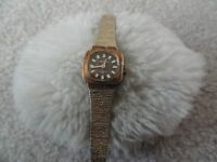 Swiss Made Waltham 17 Jewels Incabloc Wind Up Vintage Ladies Watch