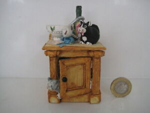 COLOUR BOX CAT PETER FAGAN HOME SWEET HOME HS334 DRINKS ALL ROUND WINE CUPBOARD