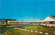 Berea KY~Wilderness Trail Motel~Big Red Telephone Booth in Parking Lot 1950s
