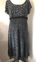 Per Una Black & Grey Spotty Dress Size 18L Short Frill Sleeves Floaty Zip Lined