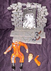 MPC  BIONIC BUSTOUT  MODEL KIT C. 1975  SIX MILLION DOLLAR MAN  BUILT NICE PAINT
