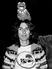 GEORGE HARRISON UNSIGNED PHOTO - 5560 - THE BEATLES