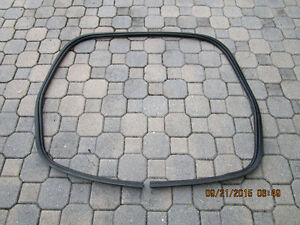 2003-2011 Mercury Grand Marquis REAR Trunk WEATHER rubber STRIP OEM
