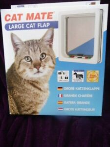 STAYWELL LARGE WHITE CAT FLAP SMALL DOG NEW