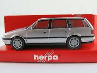 Herpa 032056 VW Passat GL Variant (1993-1997) in silbermetallic 1:87/H0 NEU/OVP