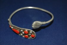 Silber-Armreif mit roter Koralle, Silber geprüft, sehr guter Zustand