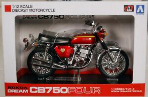 Honda CB 750 Four Candy Red Fertigmodell 1:12 Aoshima 104323