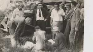 Bonnie and Clyde Man Hunt vintage photo reproduction  043