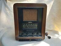 1947 RARE! Gilfillan Bros Model 86-U Tombstone tube Radio Serial # K-1227