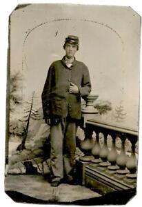 Civil War 1/6 plate Tintype Union Soldier