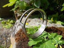 Ancien bracelet métal  argenté 1970-80 belle forme modernisme