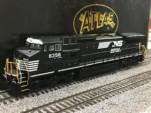 Atlas NS Norfolk Southern Dash-8CW #8356. QSI Sound Fitted.