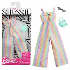 Barbie modisch Puppe Kleidung gestreift Regenbogen Overall Outfit Mattel Ghw80
