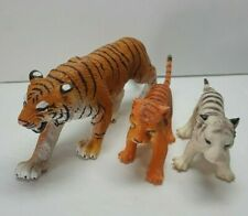 Lifelike Pvc Plastic 1 Siberian Tiger With 2 Cubs 1 White 1 Yellow Zoo Circus