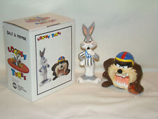 Looney Tunes 1993 Bugs Bunny And Taz Salt & Pepper Shakers Football Theme