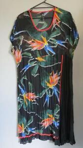 TAKING SHAPE - TS14+ stunning tunic style dress - size 16 - present as new