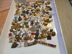 Collection of various misc badges/buttons