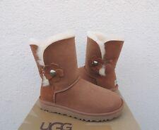 UGG CHESTNUT BAILEY BUTTON POPPY SUEDE/ SHEEPSKIN BOOTS, US 9/ EUR 40 ~NIB