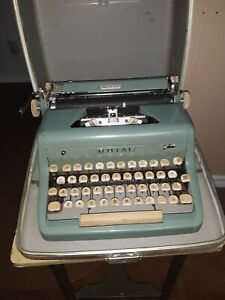 Teal Royal Quiet Deluxe Typewriter