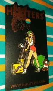 HOOTERS RESTAURANT SEXY BROWN HAIR CLEANING WAITRESS /OWL COLLECTIBLE PIN QTY!