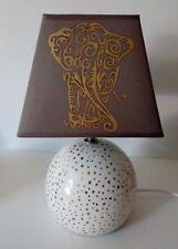 lampe de chevet creacat peint main thème savane animaux Éléphant or et chocolat