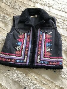 Top Shop Sleeveless Denim Jacket 10